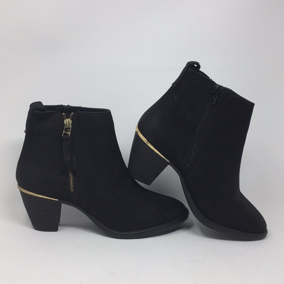 extraño sexual Ocurrencia  Steve Madden Shoes | Steve Madden Black Ankle Boots Gold Detail 9 | Poshmark